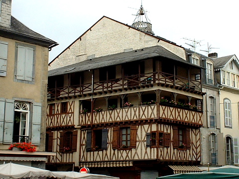Pyrenees pic du midi bagnres de bigorre centre ville - Piscine bagneres de bigorre ...